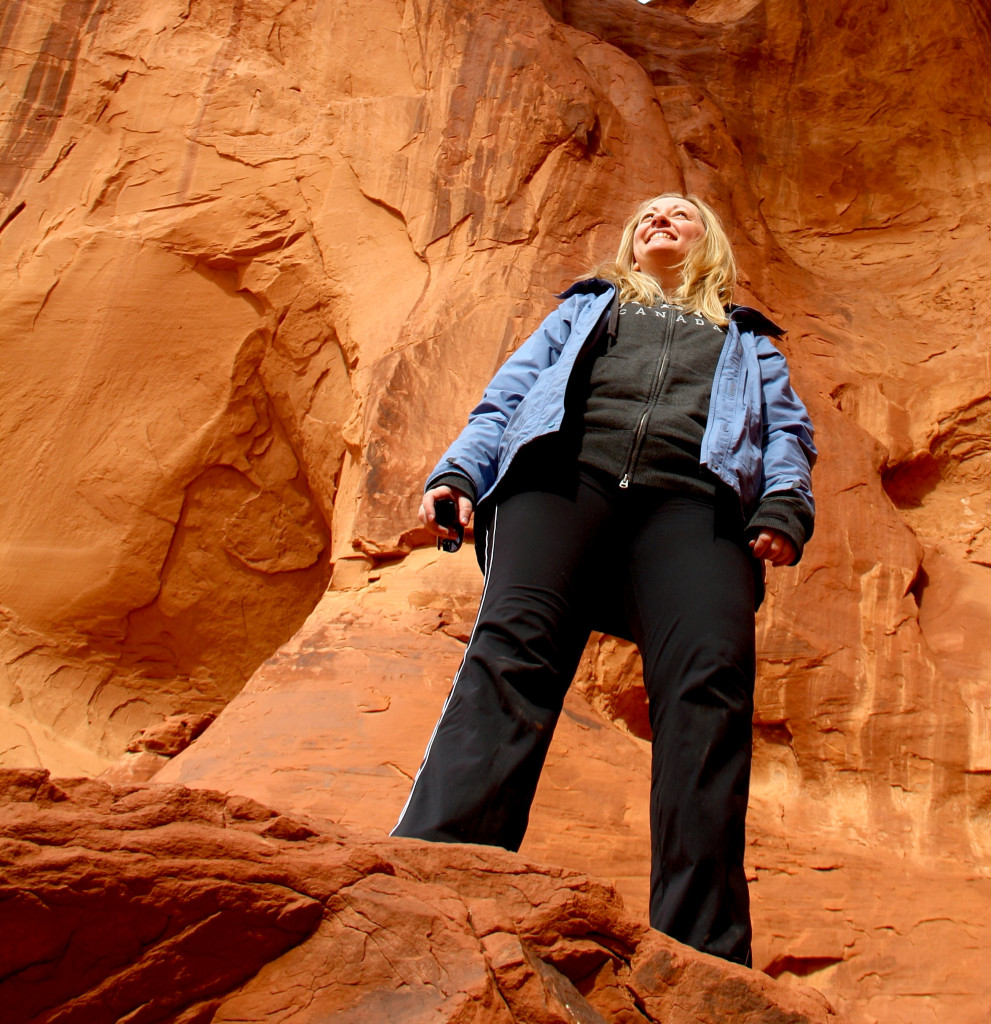Kirsten Thompson stood on a rock in Monument Valle, USA.